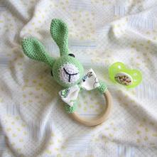 Hryzátko zajačik z prírodne farbenej bavlny,