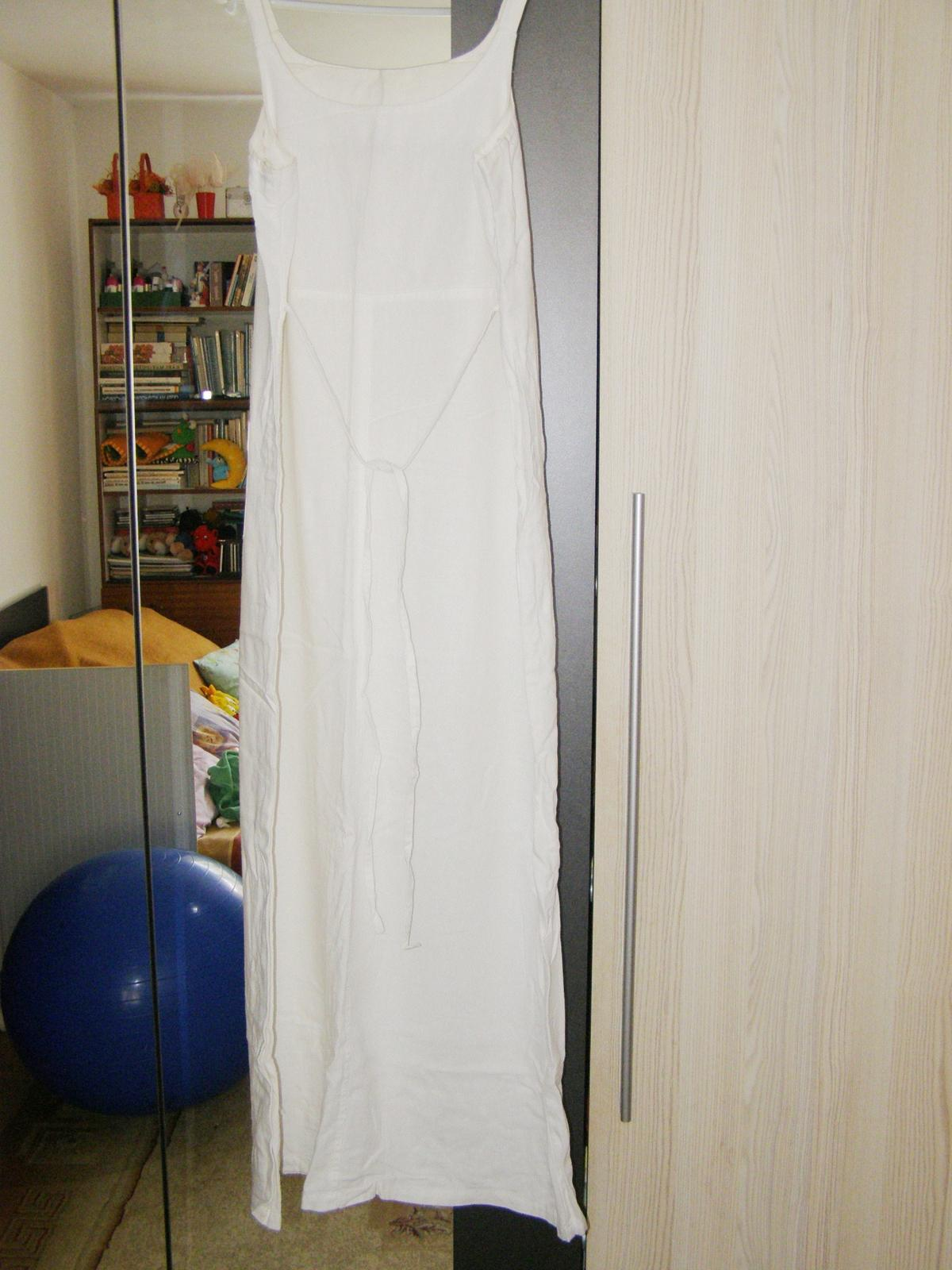 65588a6ef511 Plátené biele letné šaty
