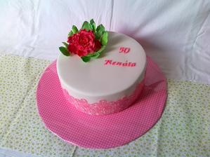 Narodeninova torta, svetly korpus, coko slahacka s mascarpone a maliny, jedla krajka a kvet z hmoty