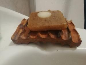 Nase mydlo na ruky ma novu mydelnicku 😍
