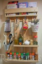 http://manualidadesfacil.es/disena-muebles-con-palets/
