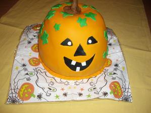 hallowenska torta-tekvica