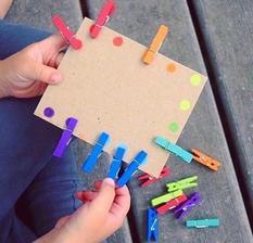 Triedenie farieb - jemná motorika, sústredenie,  učenie