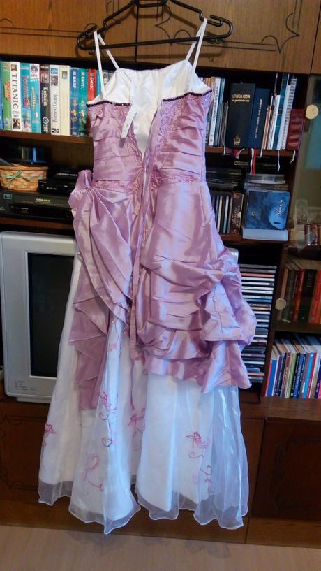 Krásne spoločenské šaty b65f0e75a87
