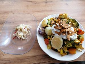 Grilovana zelenina, olomoucky syrecek, grecky jogurt s tzaziky korenim, calamada pikantna a šošovicove krekry s chilli