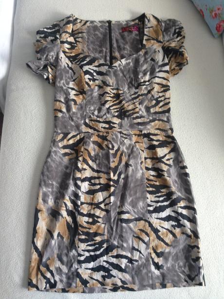 Puzdrové tigrované šaty acb822816b9
