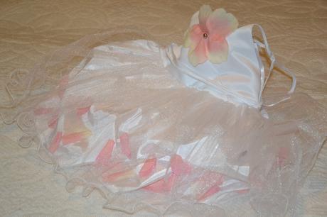 2c4ae0b5a Prekrasne biele satenove saty s tylom a lupienkami, 110 - 19,90 € od ...