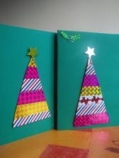 prve vianocne pohladnice /robili sme s chlapcami, ked slecna zaspala{ pouzili sme farebne lepiace pasky 6ks za 1,50 ale rovnako posluzi aj farbeny papier alebo balici papier
