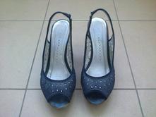 Celokožené tmavomodré sandálky, 38