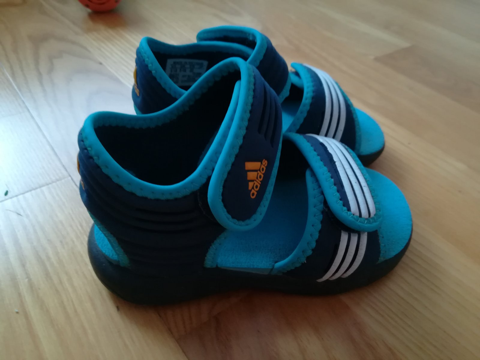 Sandálky adidas 3a069330e56