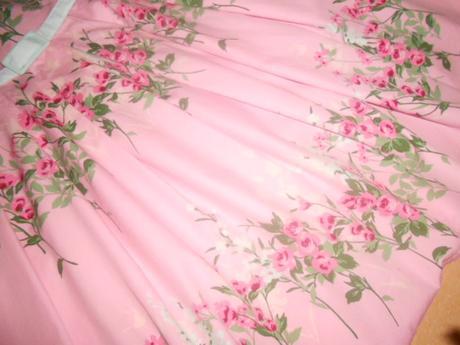 4bad56b8c06b Predám spoločenské šaty pre mladú slečnu veľ.s
