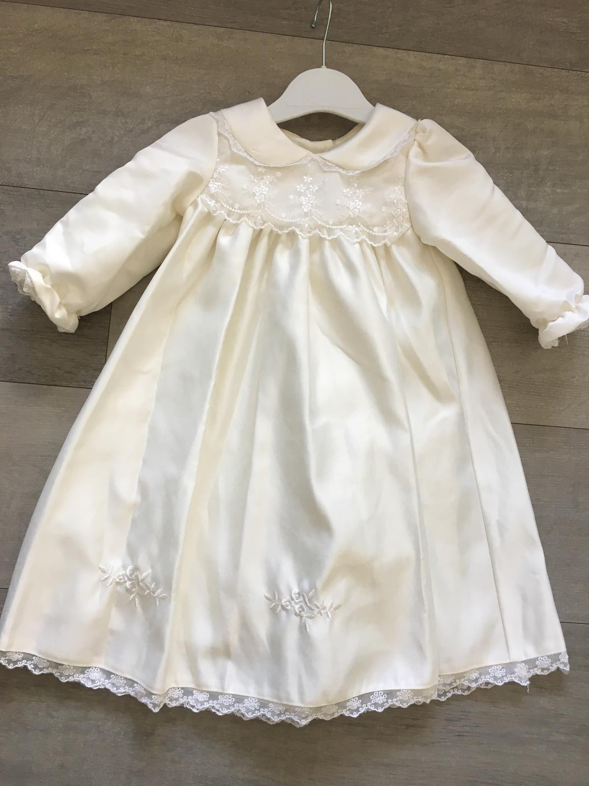 9d6a9e025287 Luxusné slávnostné šaty zn. hobea germany