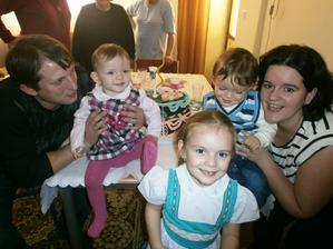S maminou, tatinom a sestričkou...