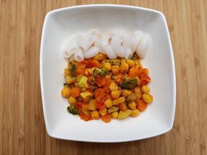 Cícer s paradajkami a ryžovými cestovinami