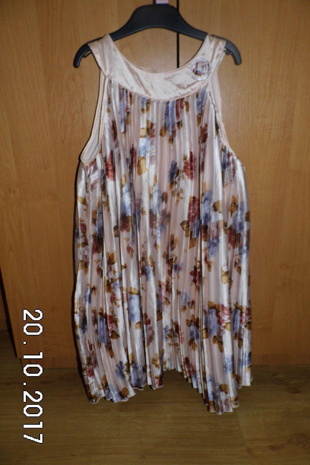 Dievčenské šaty vel 134 140 9951ae5ba04