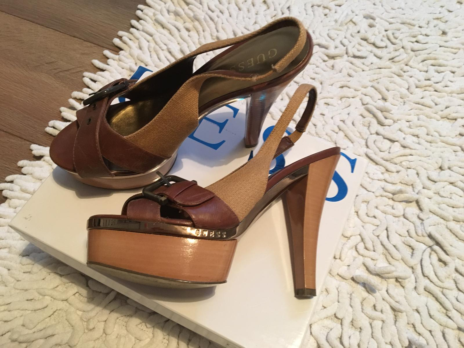 95f747c5e Letné topánky na platforme, guess,39 - 35 € od predávajúcej jannkah |  Detský bazár | ModryKonik.sk