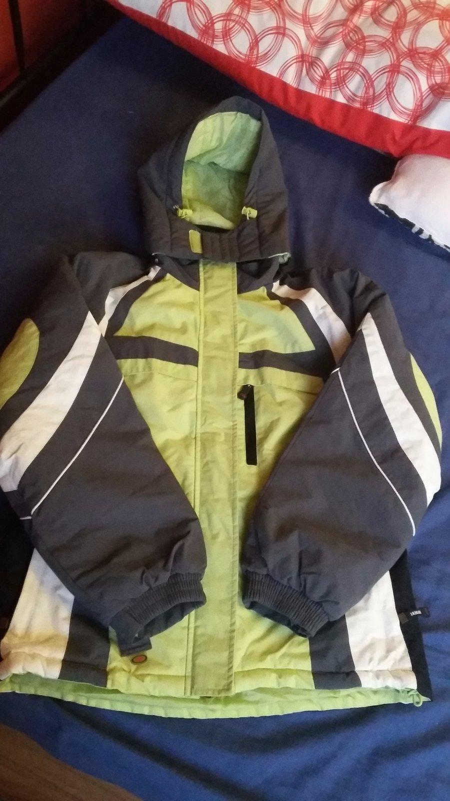 9e3e349fb Predam univerzalna zimna bunda, xl - 7 € od predávajúcej darbika | Detský  bazár | ModryKonik.sk
