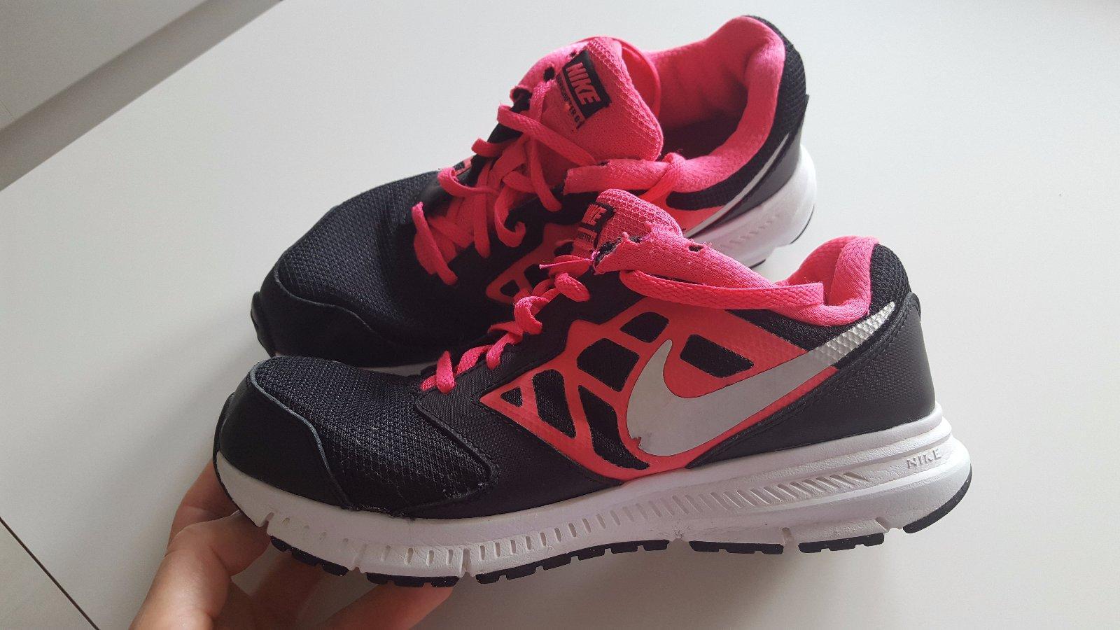 95672bd831883 Nike botasky č 38., nike,38 - 22 € od predávajúcej bebitobi | Detský bazár  | ModryKonik.sk