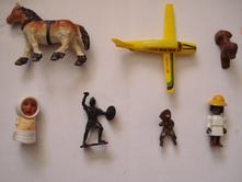 Drobnosti, koník, pečiatka, panáčik, lietadlo,