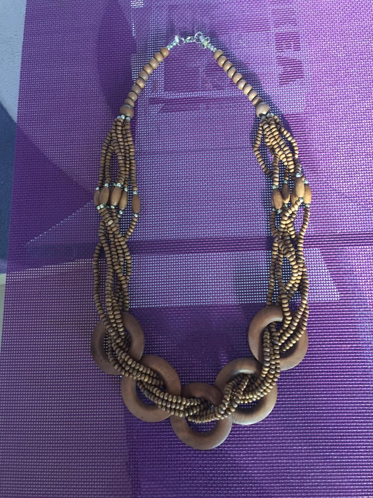 fb32873dc Drevený náhrdelník, - 2,50 € od predávajúcej tomcikova | Detský ...