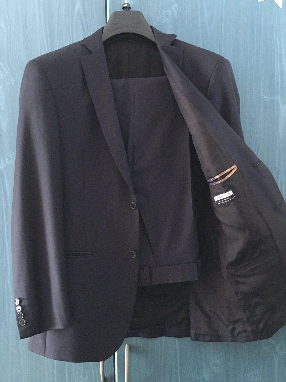 fc349cfdbe28 Značkový oblek ozeta