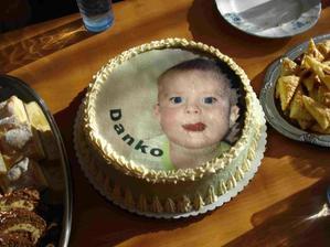 Moja mnam torticka, zatial bez sviecky.