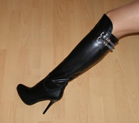 fa95437dd2 Nové luxusné čierne čižmy nad kolená č. 37-39