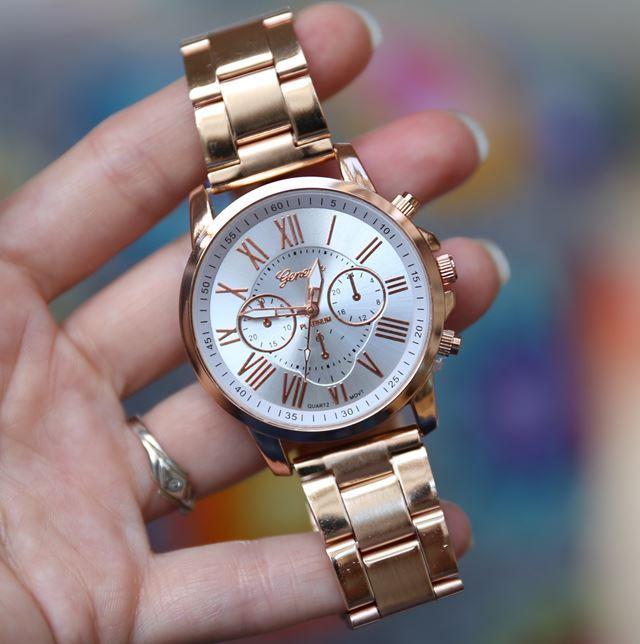 efa053830 Luxusní dámské hodinky geneva ružove zlato, - 9,99 € od predávajúcej  selmars | Detský bazár | ModryKonik.sk