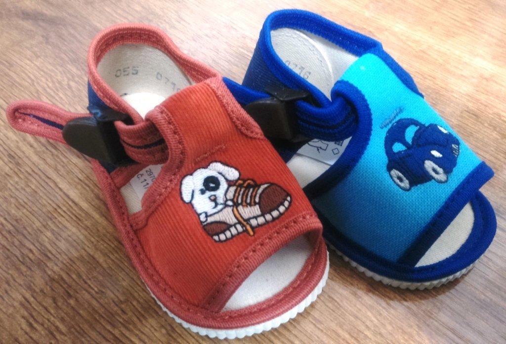 Akcia -sandálkové papučky s výšivkou č.16 a 17 7426e0aaba3