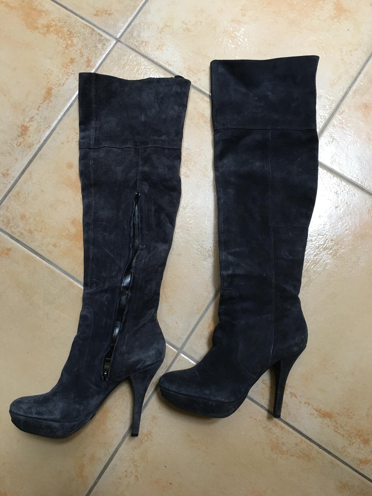 dba4198723f2 Luxusne cizmy z brusenej koze pc100e obute 2x