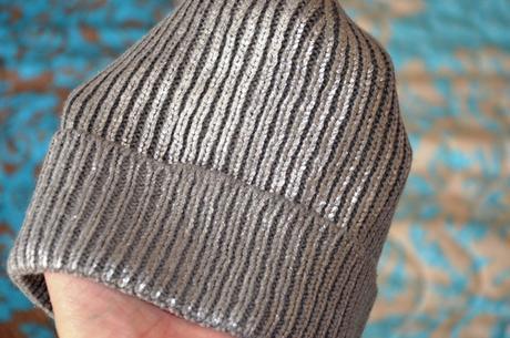 Strieborná pletená čiapka, takko,m