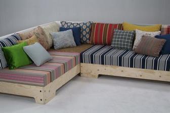 http://www.pietheineek.nl/en/collection/upholstery/kussentjesbank