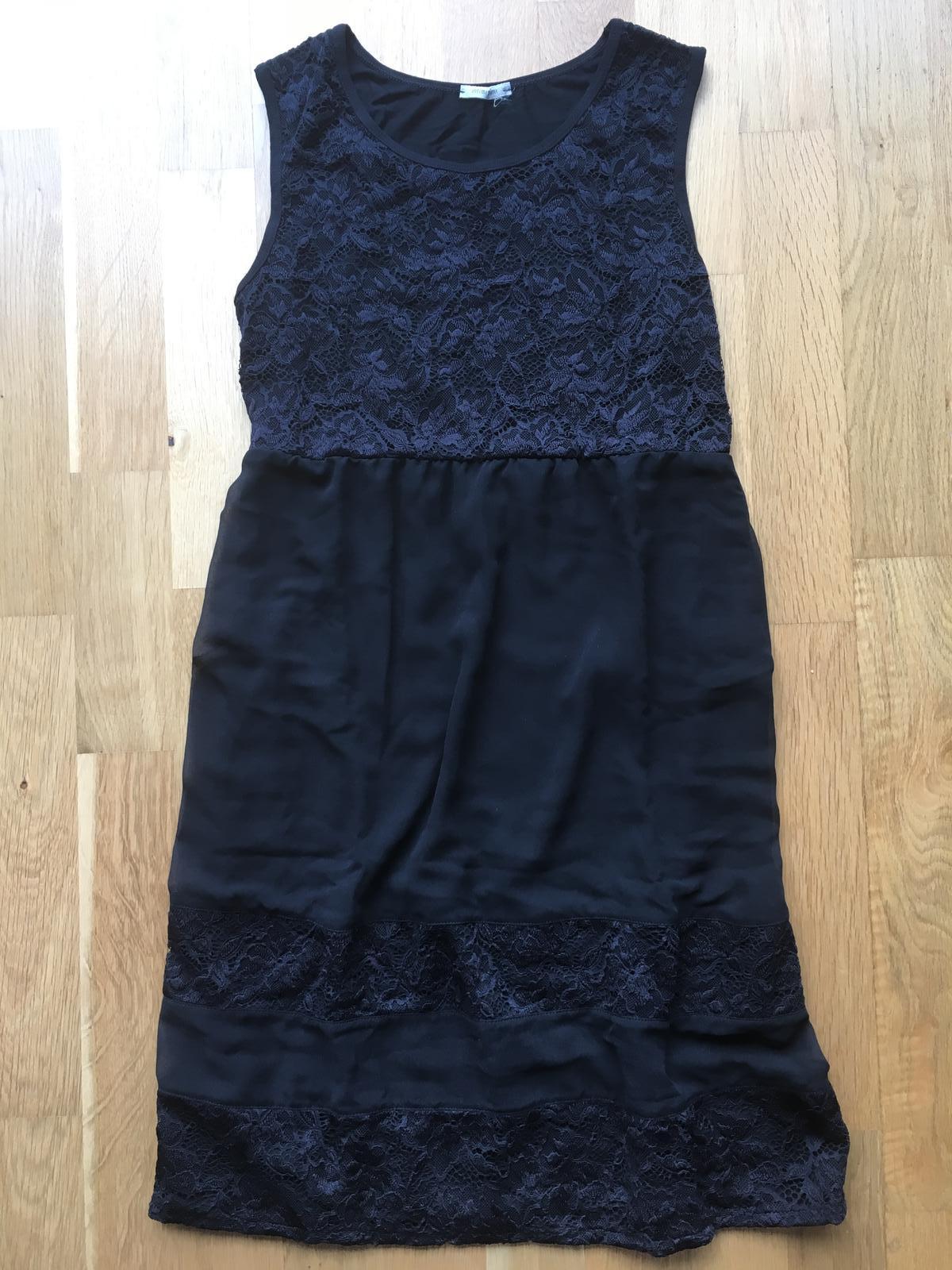 Raz oblečené čierne letné šaty s krajkou 2c280fa87c3