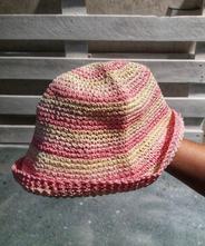 Prútený klobúčik,