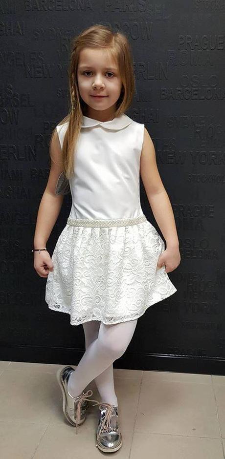 8ed7172fd04a Dievčenské šaty smotanové s čipkou