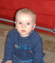 mam 6 mesiacov a 2 tyzdne a viem sediet!
