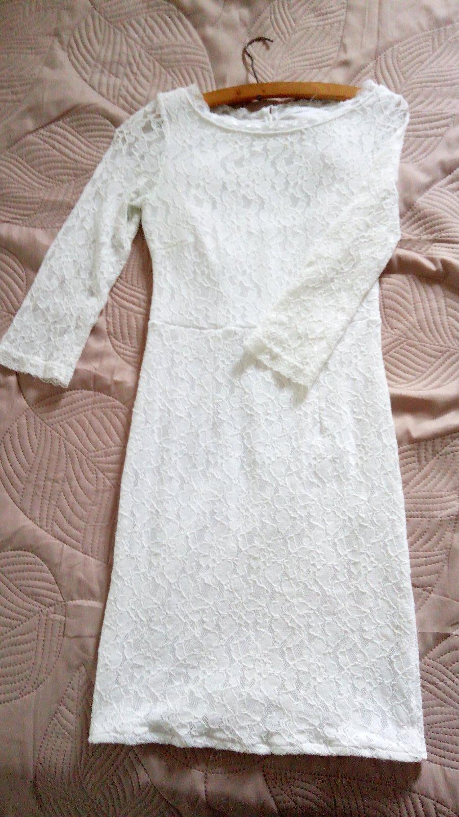 d7ab06dbd890 Biele elastické šaty