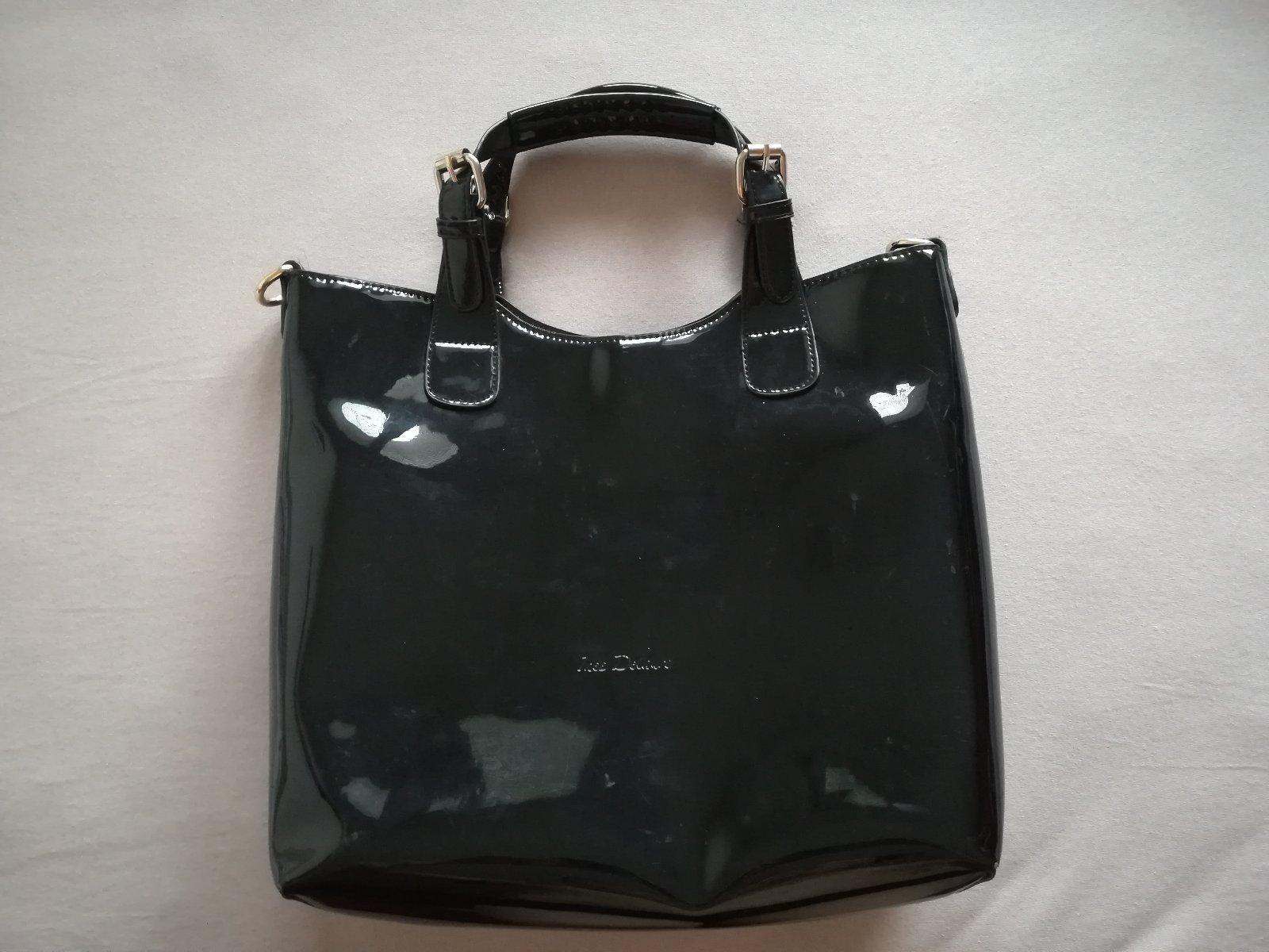 Predám čiernu lesklú kabelku 2 v 1 do ruky 4b93c821ea6