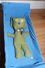 Nas Kuky v postielke...mal operaciu prisivali sme mu nozku. /Patrickovi na zelanie, videl podobneho v knizke/