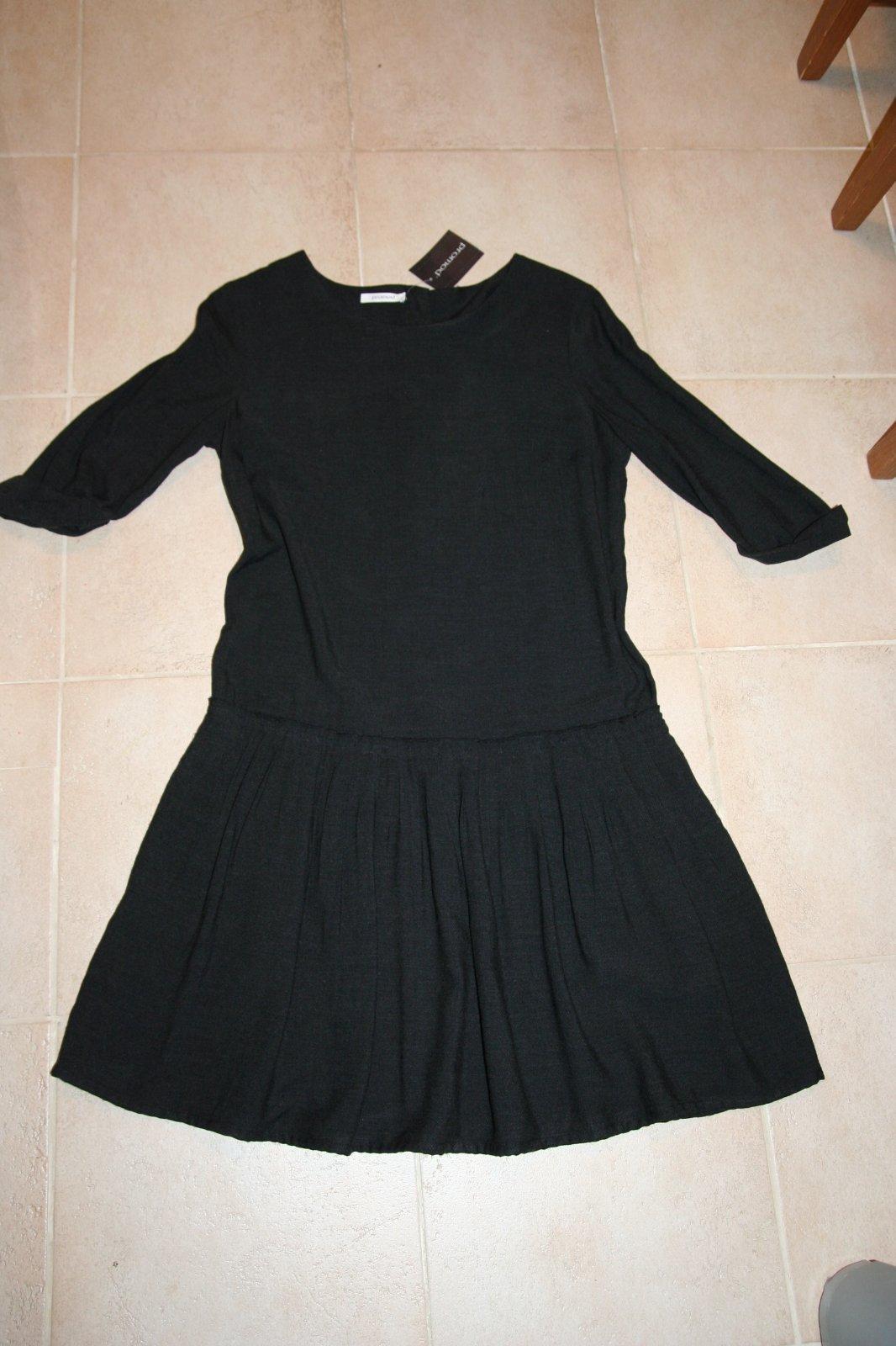 e457b9c0d9fe Nenosené šaty s visačkou