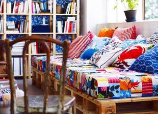 http://www.kotanyisofrasi.com/pallet-furniture-for-sale/11/recycled-pallet-furniture/