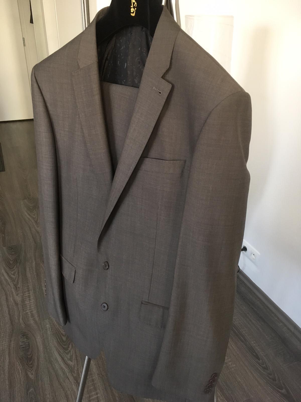 b83a00212a Elegantný oblek