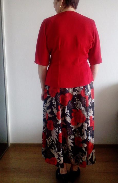 Damsky suknovy kostym 1f08dd25ffb