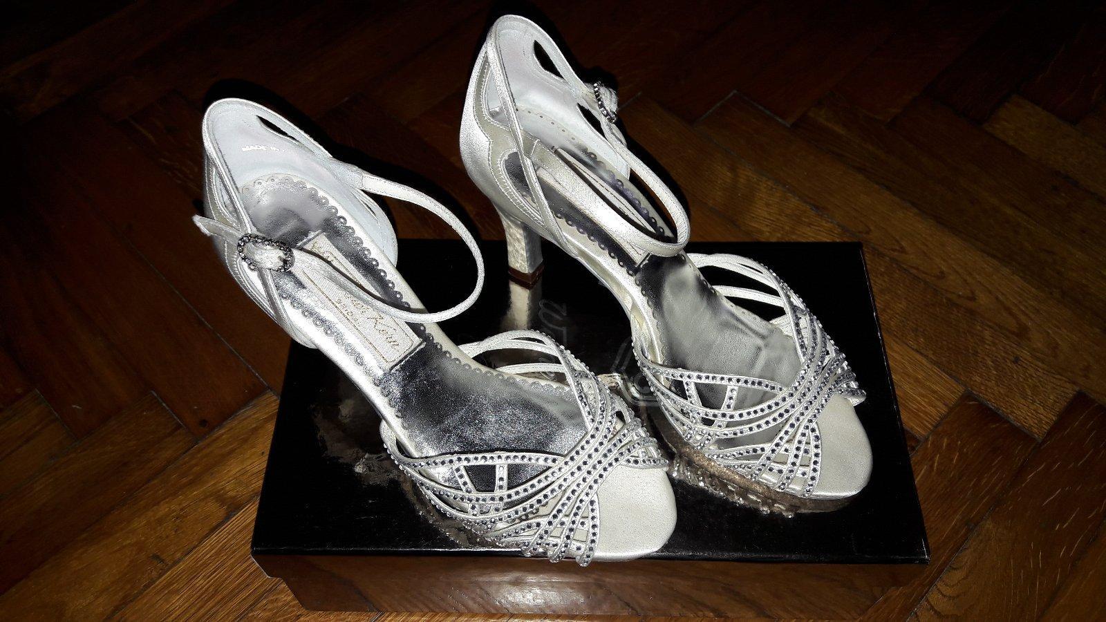 f0e1f222f6 Luxusne svadobne topanky
