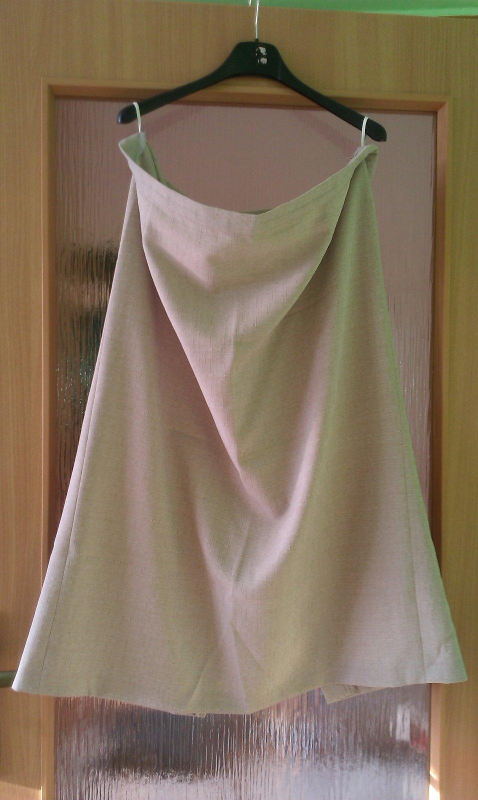 a5d6407bdf19 66 inzerátov • 1 hodnotenie. Letný dámsky sukňový kostým ...