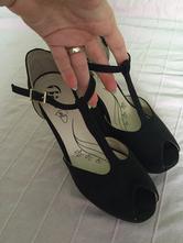 Asymetrické sandálky, baťa,37