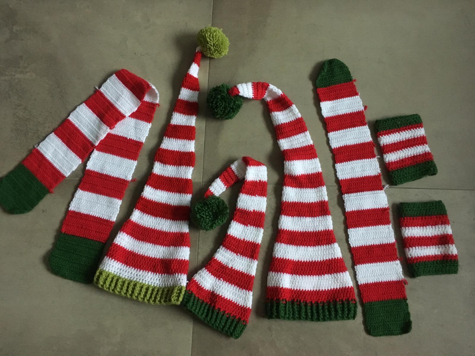 65a37bdfe Trpaslíčie vianočné čiapky - fotorekvizity, 86 - 25 € od predávajúcej  mirka_goga   Detský bazár   ModryKonik.sk
