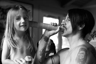Anthony Kiedis ( Red hot chili peppers ) - Everly Bear ( * 2007 )