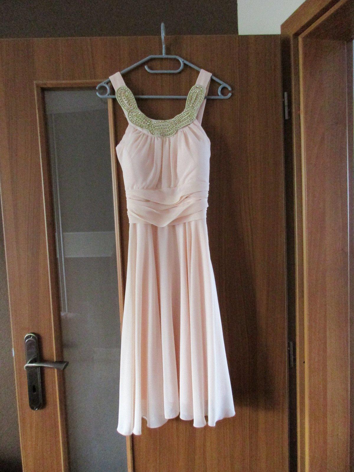 af53f02e2fb3 Slaboružové spoločenské šaty