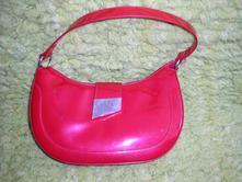 216. červená kabelka ,